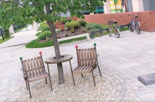 Havlova lavička v Bratislave neexistuje, východ predbehol hlavné mesto